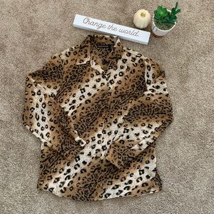 Impressions Leopard Button Up Top Sz Medium
